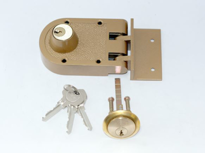 Picture of Yale Deadlock Double Cylinder Gold Lacquer