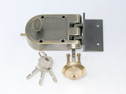 Picture of Yale Deadlock Single Cylinder Antique Brass