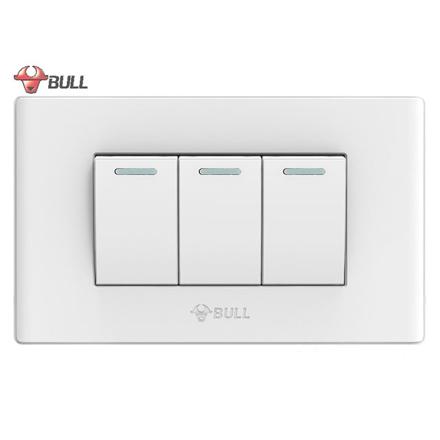 Bull 3 Gang 3 Way Switch Set (White), G04K322A の画像
